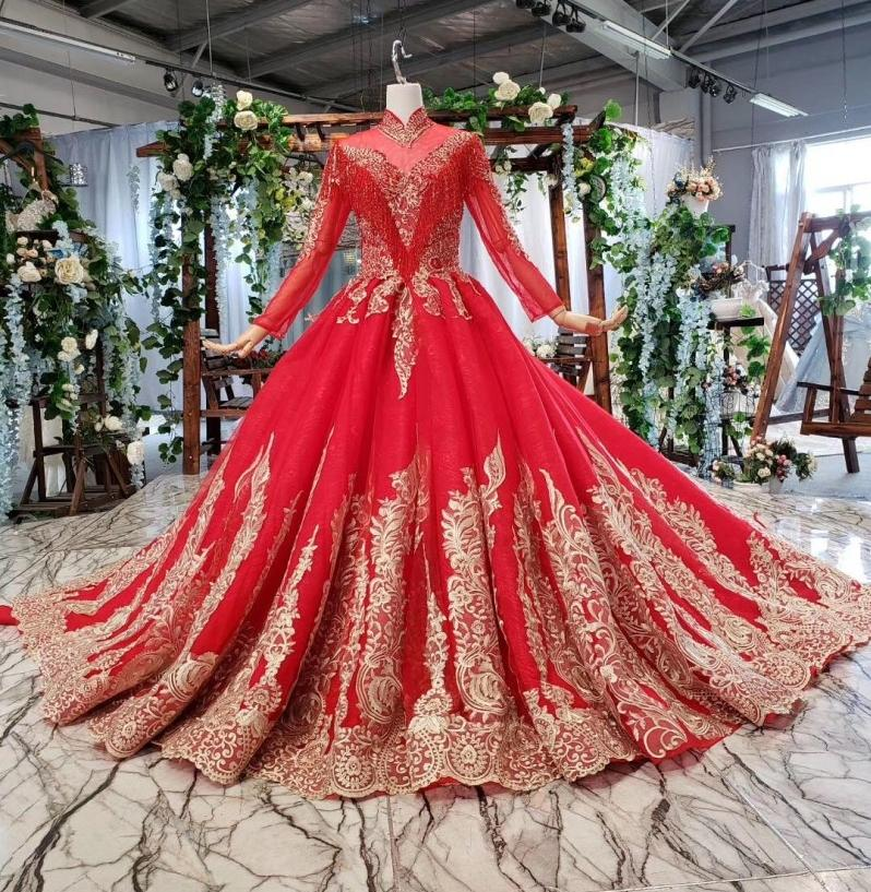 Red Vintage High Neck Muslim Wedding Dresses 2020 Lace Elegant Long Sleeves Real Photos Puffy Bride Dress without Veils Ball Gowns