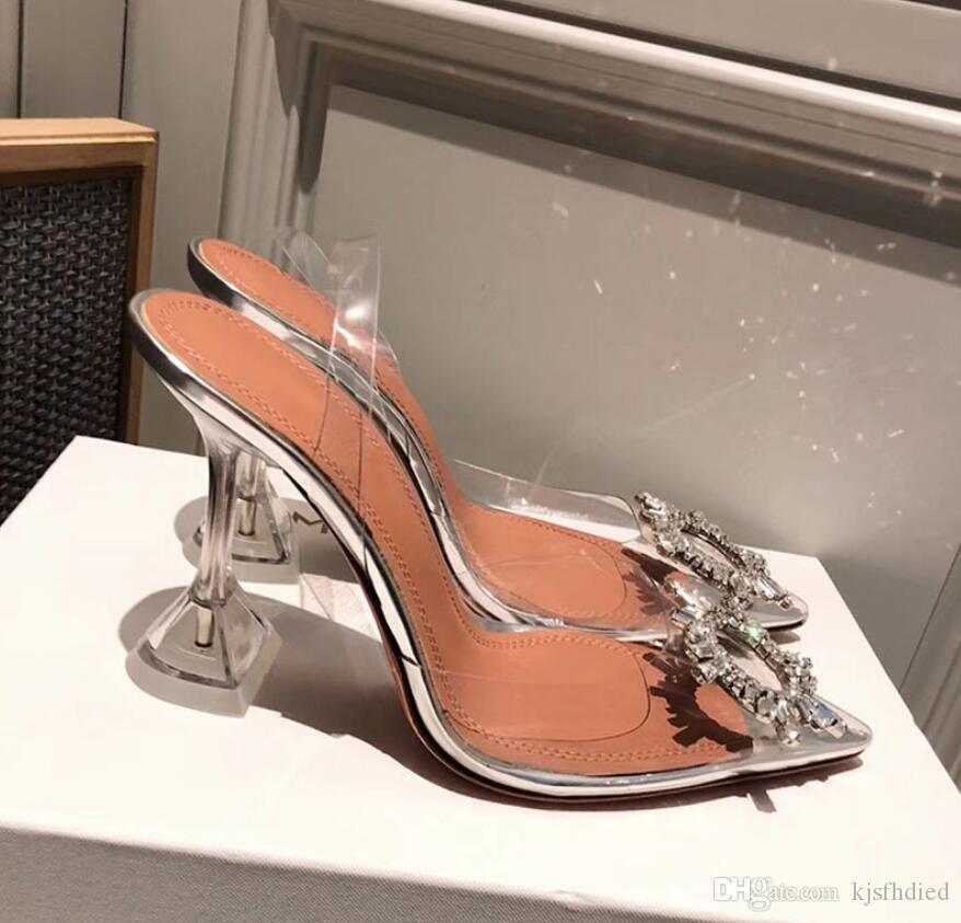 완벽한 공식 품질 아미나 신발 수사관 합성 수지 슬링 Muaddi Restocks 수사관 합성 수지 슬링 5cm 높은 뒤꿈치 펌프 크리스탈을 더합니다