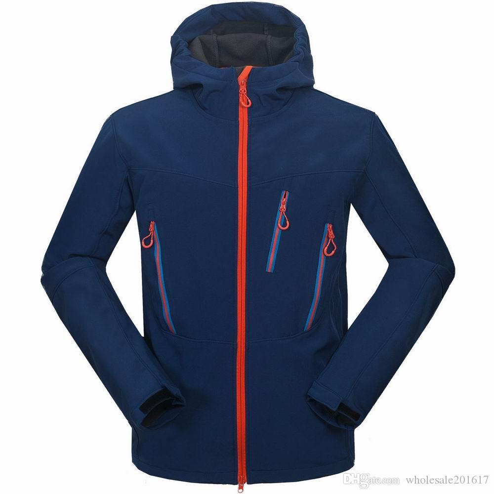 nuovi uomini HELLY giacca invernale con cappuccio Softshell per antivento e impermeabile morbido cappotto Shell Jacket HANSEN Giacche Cappotti 1649