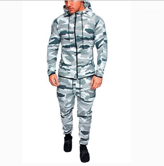 Camouflage Tute Outdoor Set sportivo vestito di sudore 2018 Autunno Uomini Sportwear Pantaloni Giacche Tuta Felpa con cappuccio