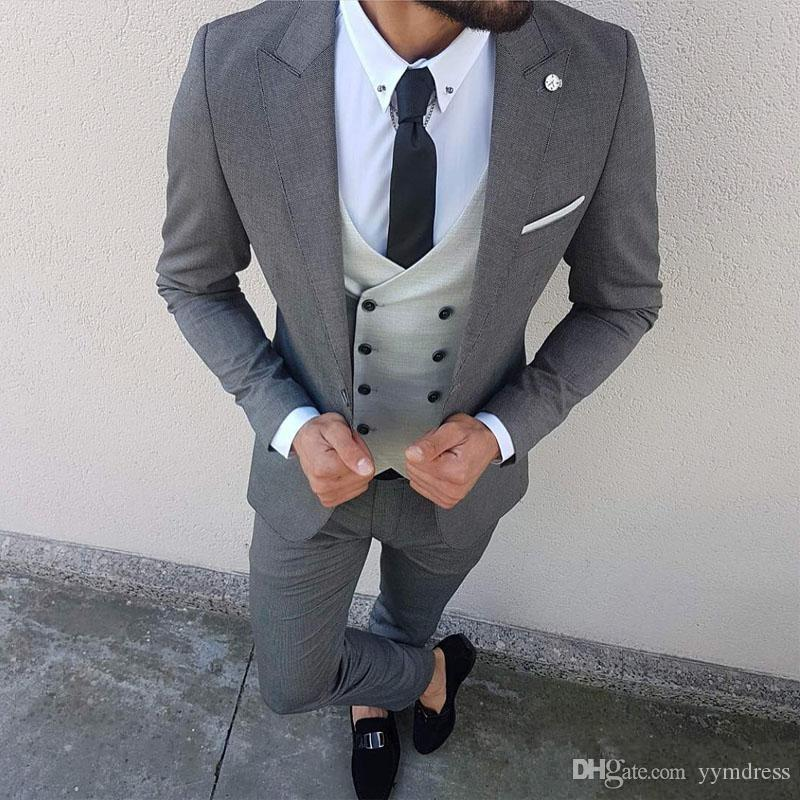 New Wedding Tuxedos 2019 Three Piece Men Suits for Groomsmen Peaked Lapel Blazer Gray Jacket Pants Vest Tailor Made Male Suit