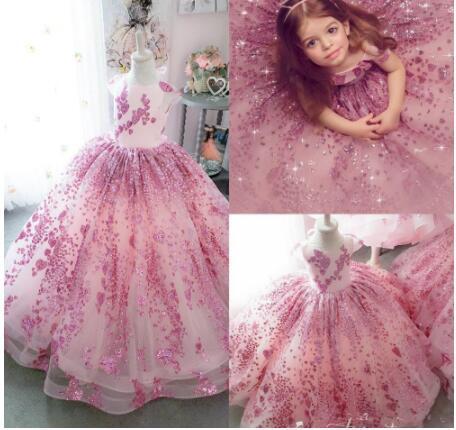 2020 rose mignon robes fille fleur Jewel cou Paillettes manches courtes Bow Fille Pageant Robes de bal Ruffle Custom Made anniversaire Robes
