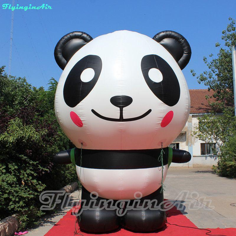Panda bonito da explosão inflável atrativa da altura da panda 4m com o saco para a decoração da loja