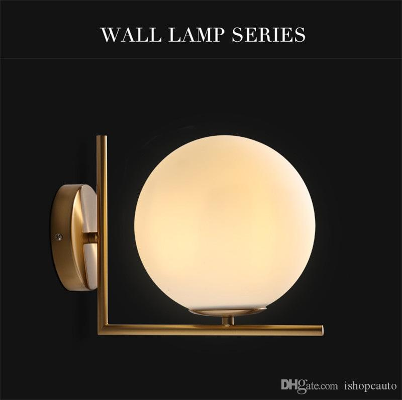Modern minimalist duvar ışık Nordic yatak odası çalışma başucu koridor ferforje kaplama cam top LED duvar lambası