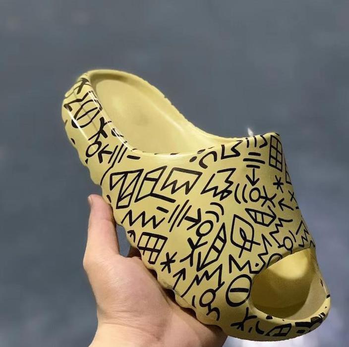 2020 дизайнерские тапочки мужчин и женщин тапочки пустынный песок тапочки сандалии пена кроссовки