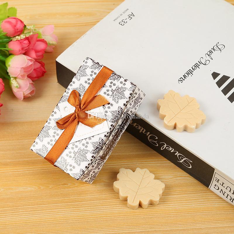 Venta al por mayor de DHL envío libre Artístico perfumado Maple Leaf Jabones para la boda Favores regalo Baby Shower Jabón Jabones de mano decorativos