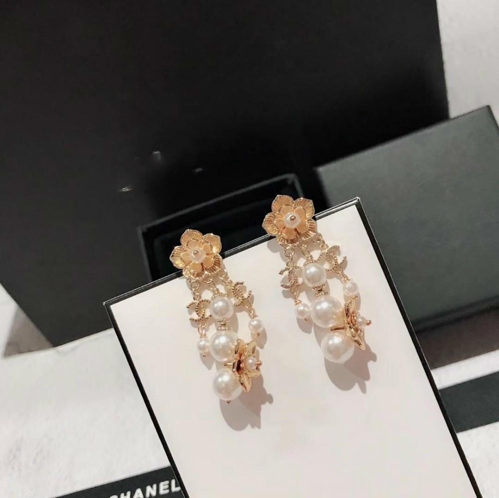 Kadınlar orBrand için 2019 JEWELS Ücretsiz Paslanmaz Çelik Küçük Çember Asfaltlanmış Parlak kristal Küpe