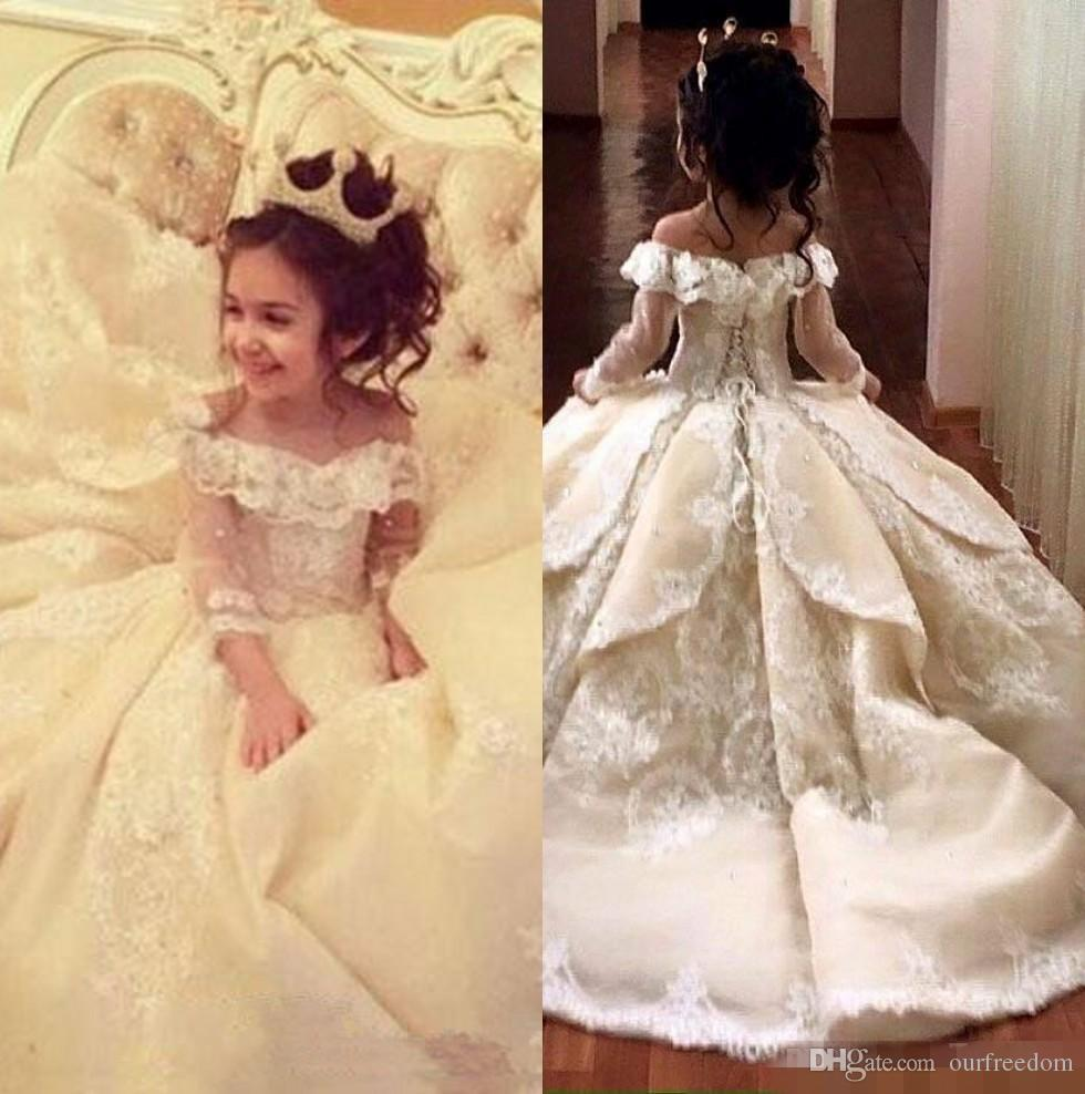 2019 Off The Shoulder Long Sleeves Lace A Line Flower Girl's Dresses Lace Applique Layered Ruffles Floor Length Girl's Pageant Dresses