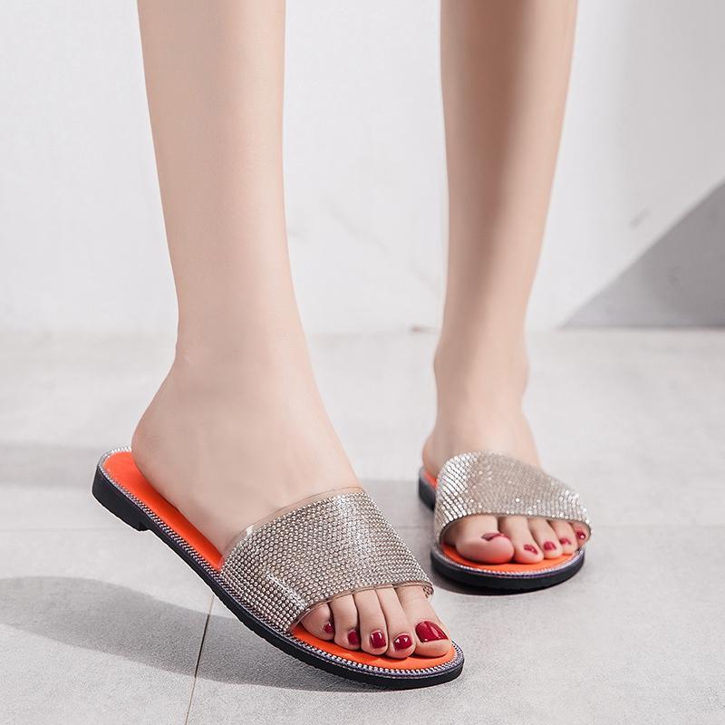 Sommer Leder weibliche Hausschuhe zu Hause Innen-Sandalen und Pantoffeln rutschfeste niedrige Ferse flache Unterseite Licht Hauptschuhe Boden