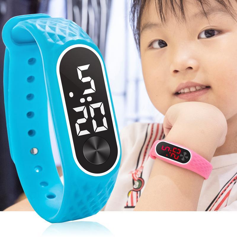 NEUE Ankunft Grain Red weiße LED-Licht Uhren Kinder Kinder Studenten Sport digitale Uhren Mode für Männer Frauen Armbanduhr