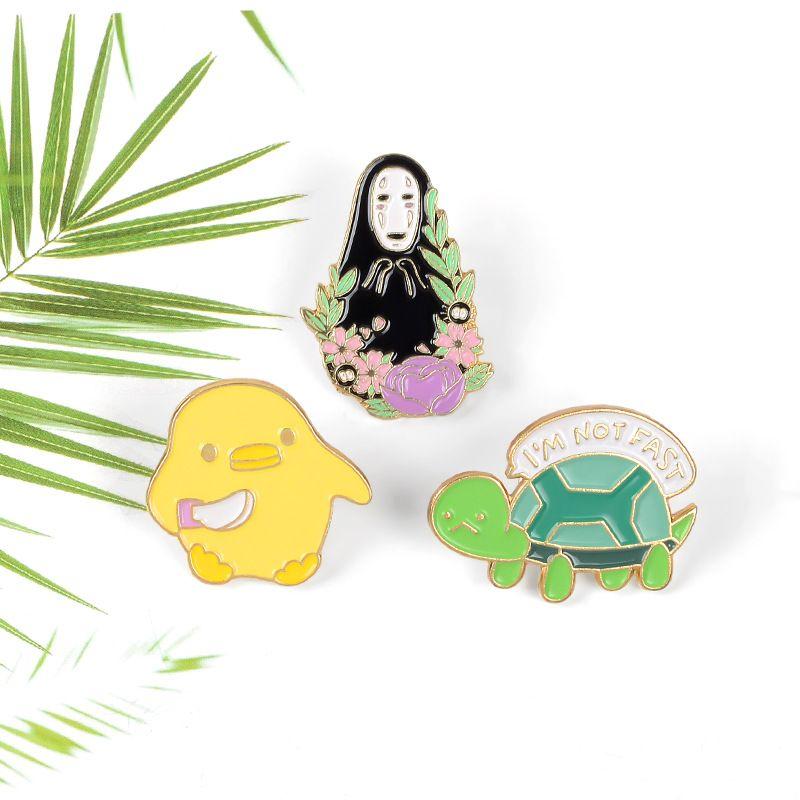 Man Flowers Chick Tortoise Enamel Pin Custom Brooches for Shirt Lapel Bag Childhood Badge Cartoon Jewelry Gift for Kid Friend zdl0408.