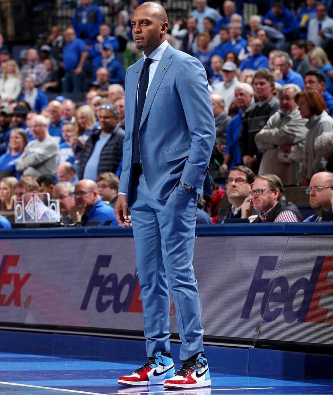 Mavi Yakışıklı Erkekler Smokin Groom Suit Yaka İnce Fit Bir Düğme Yüksek Kaliteli İş Prom Parti Blazer Ceket 2 adet Peaked