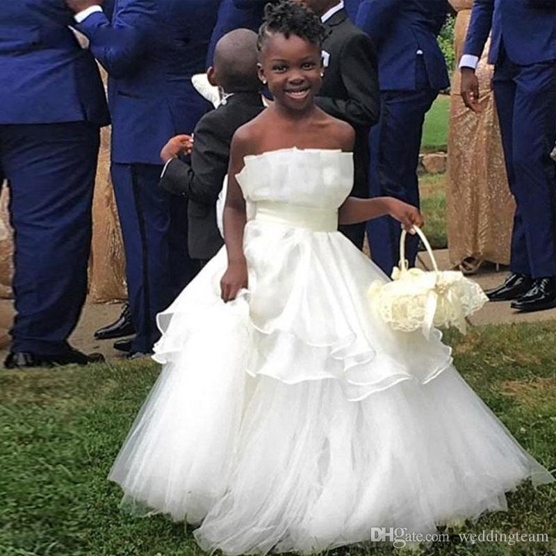 Lovely A Line Tiered Flower Girl Dresses For Wedding Strapless Neck Toddler Pageant Gowns Tulle Floor Length Kids Prom Dress