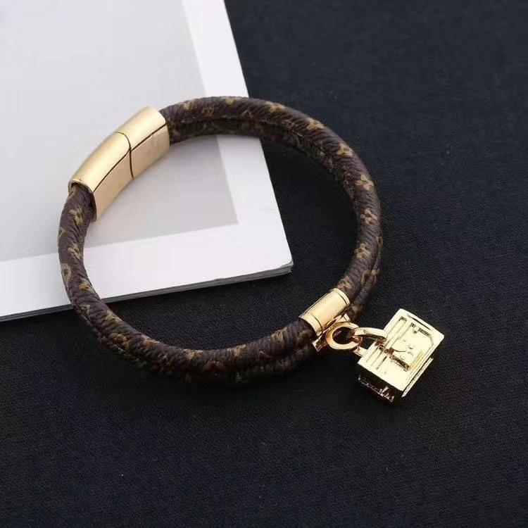 2020 novo luxo clássico carta flor de couro homem e mulheres pulseira bracelete com caixa de transporte gratuito pode ser atacado