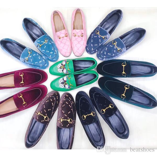 Zapatos de diseño de mujer Zapatillas de piel Mulas Zapatillas Mocasines 100% Animales Princetown de cuero real Cadena de metal Zapatillas de cuero con caja US 11.5