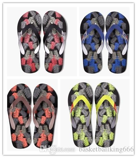 Pantofole da spiaggia alla moda da uomo Modello stampa 3D infradito Tempo libero Ant -skid all'aperto Pantofole da interno Quattro colori