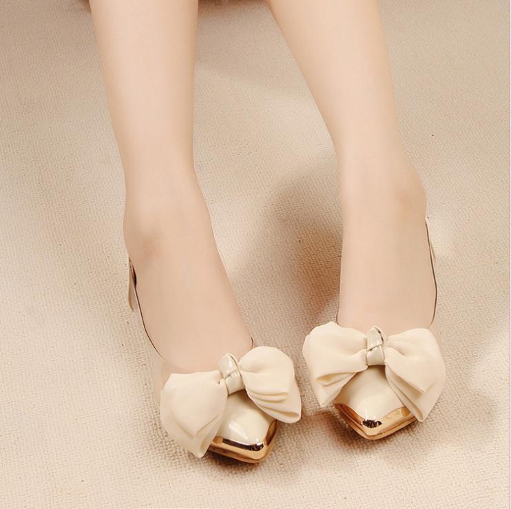Vendita calda Ol principessa scarpe arco trasparente Shoes Film metallica piana della punta aguzza Flats Grandi ragazze Lady Sandals