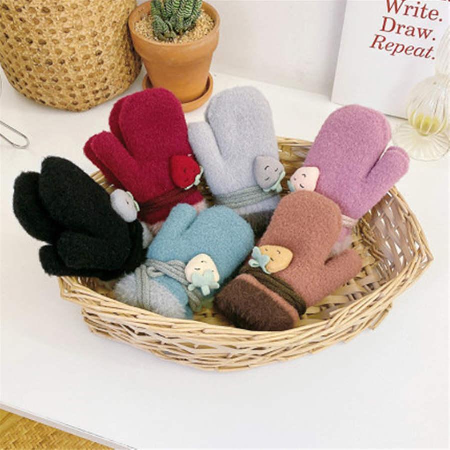 Koreanische Version von Erdbeere Baby Handschuhe Baby Winter Weihnachten Handschuhe warme feste Handschuhe stricken Farbe Kinder warme Handschuh