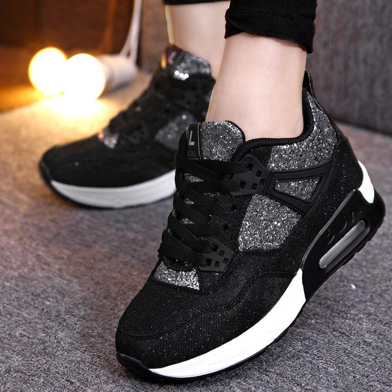 Le donne dei pattini correnti di marca di tendenza della scarpa da tennis per la donna Autunno istruttori sportivi Altezza crescente a piedi scarpe per le donne Zapatos Mujer