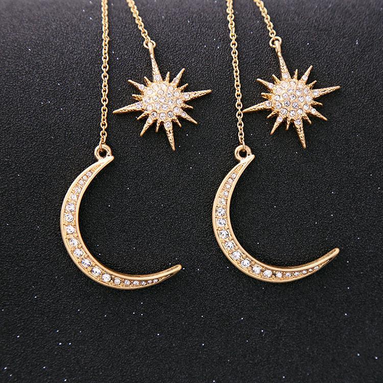 Pendientes con Encanto Pendientes cristal brillante de la estrella de la luna del color oro de la Media Luna Estrella de la mujer caliente para el partido de las mujeres Pendientes del diamante SuppliesT2C5135