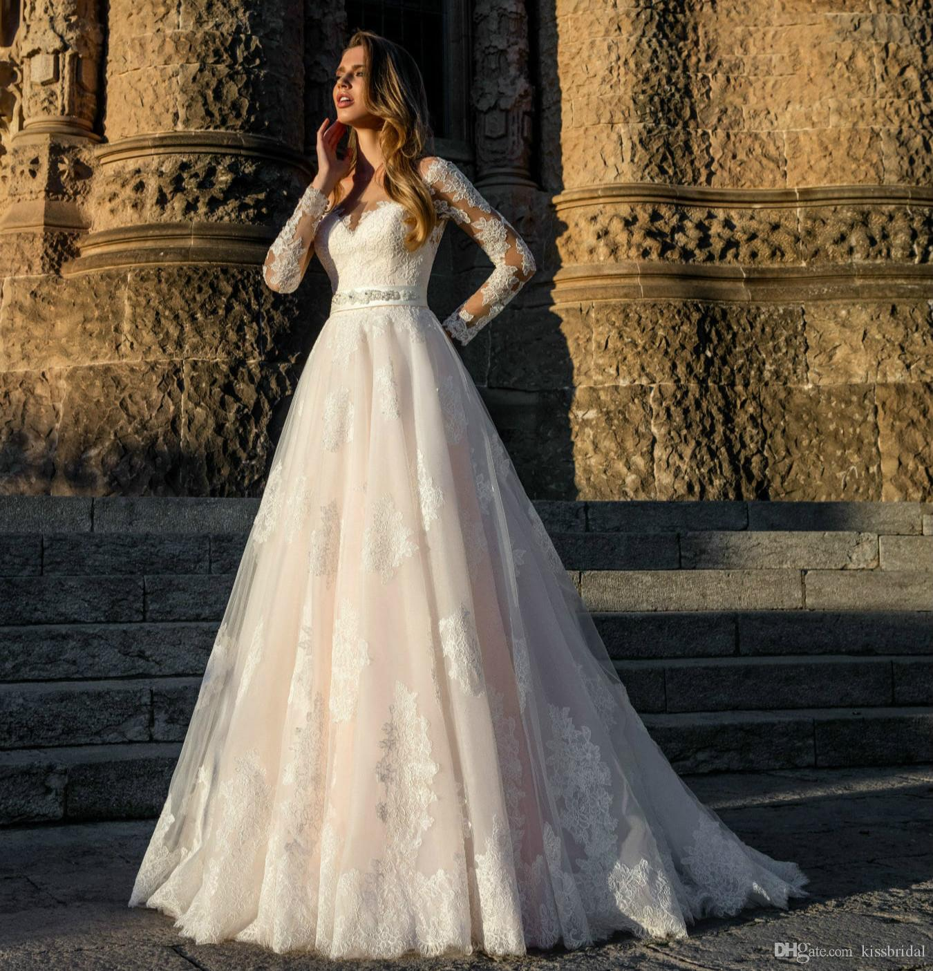 New Design Long Wedding Dress 2021 Bateau Neck Long Sleeves Chapel Train Appliques Tulle Bridal Gowns Vestido de noiva longo Robe de mariee