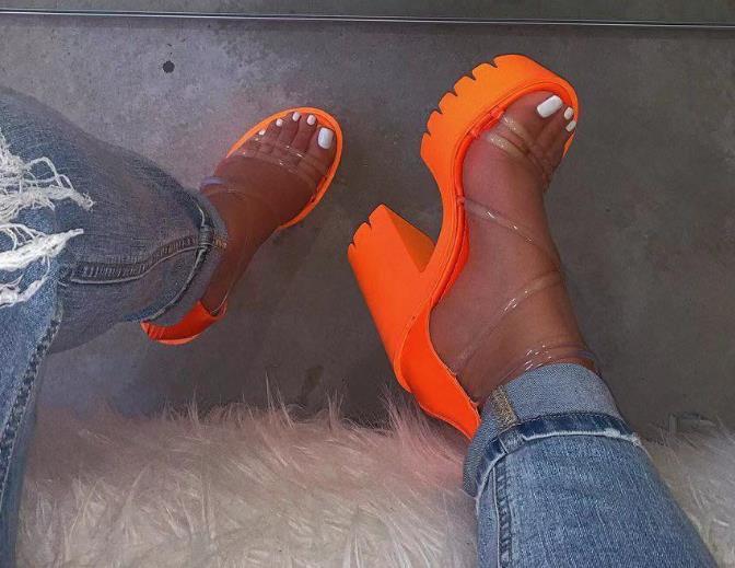핫 여성 샌들 2020 여름 새로운 여성의 신발 패션 방수 플랫폼 굽 높은 샌들 여성