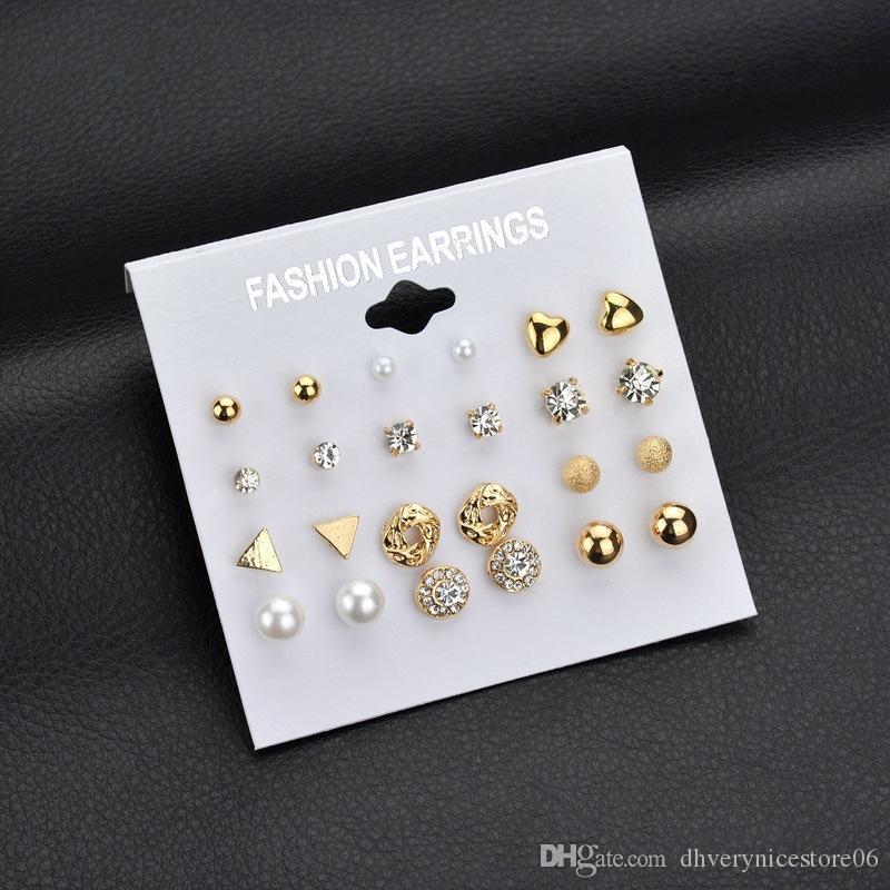 Orecchini coreani alla moda Set di orecchini Un set di orecchini quadrati di zircone imitazione Orecchini a cuore con diamanti