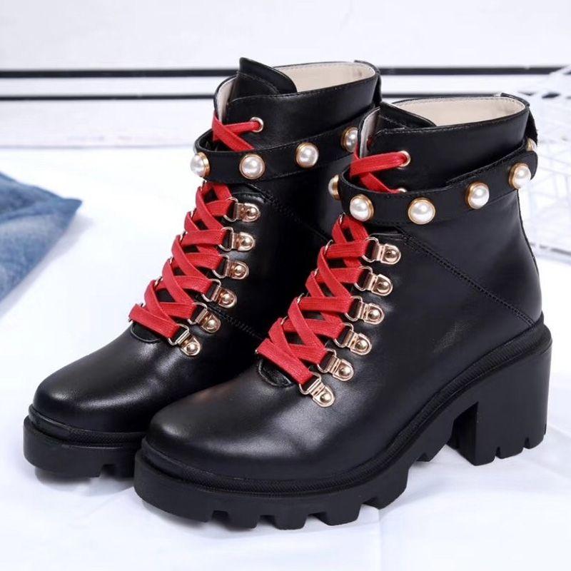 2020 Mode Leder Stern Frauenschuhe Frau Leder kurz Herbst Winter Knöchel Designer Modemarke Frauenschuhe