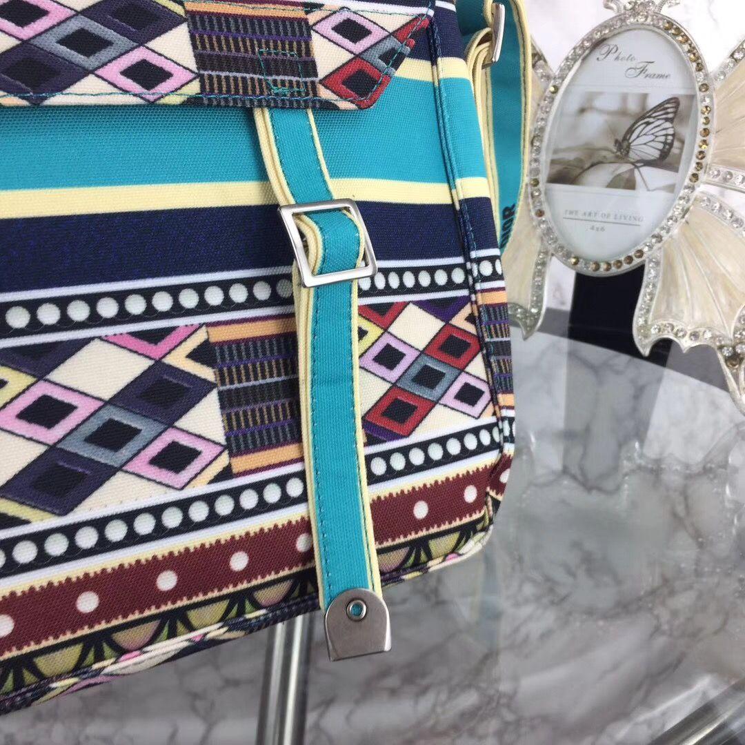 Borsa Crossbody Knapsack Donna Nuove sacchetti Messenger Fashion Bag Female Donne Borse da donna Zaino Della Scuola Unisex Pelle Totes RBTRU
