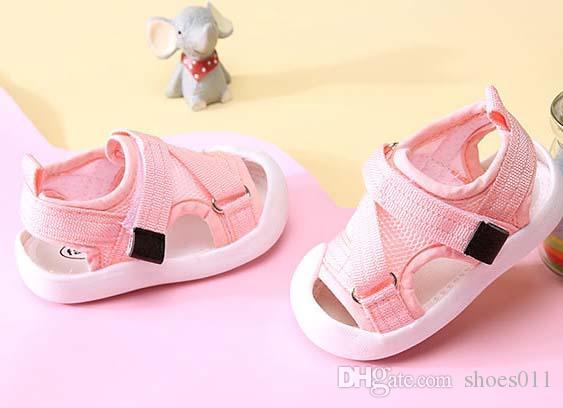 Топ-качество женщина сандалии натуральная кожа лучшее качество указал плоские тапочки модные сандалии с коробкой shoes011 06