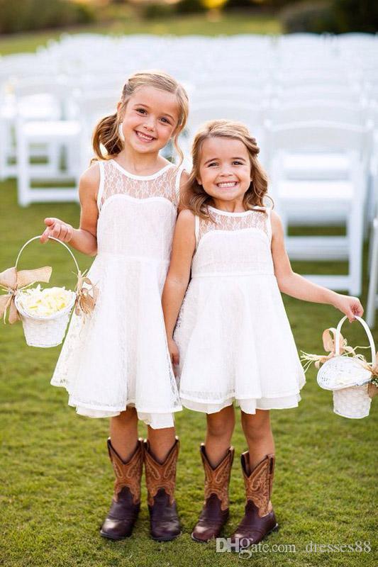 Pretty Short Lace Crew Flower Girls Dresses Knee Length Summer Sleeveless Garden Beach Kids Skirt Country Wedding Party Gowns 2019 Cheap
