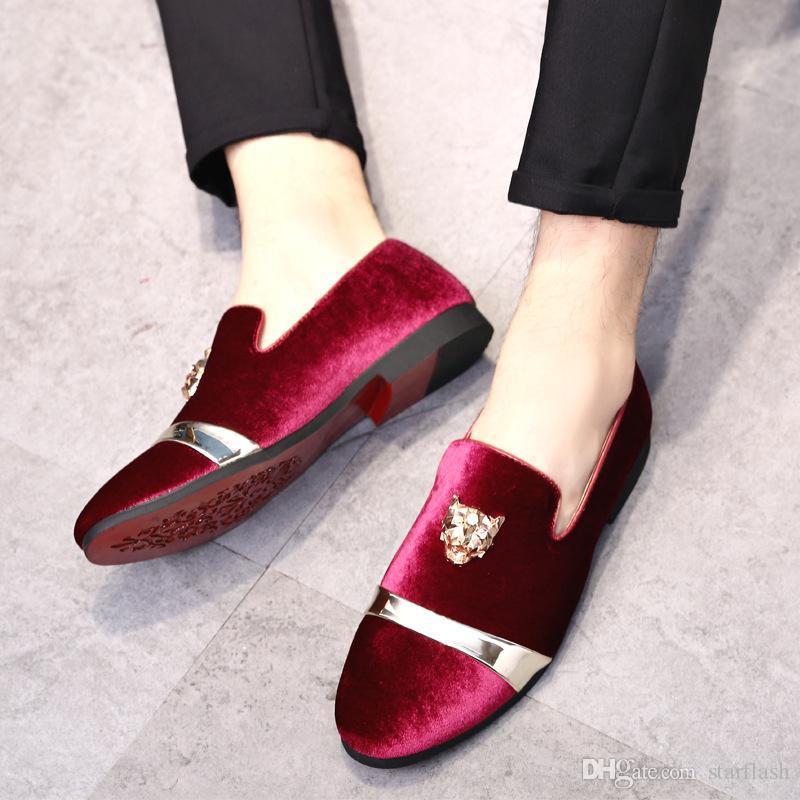 أحذية الرجال المخملية متعطل عالية الجودة الرجال أحذية جلدية الرسمي التدخين مشبك معدني الأحمر القيعان أزرق أسود زفاف الأعمال Q-725
