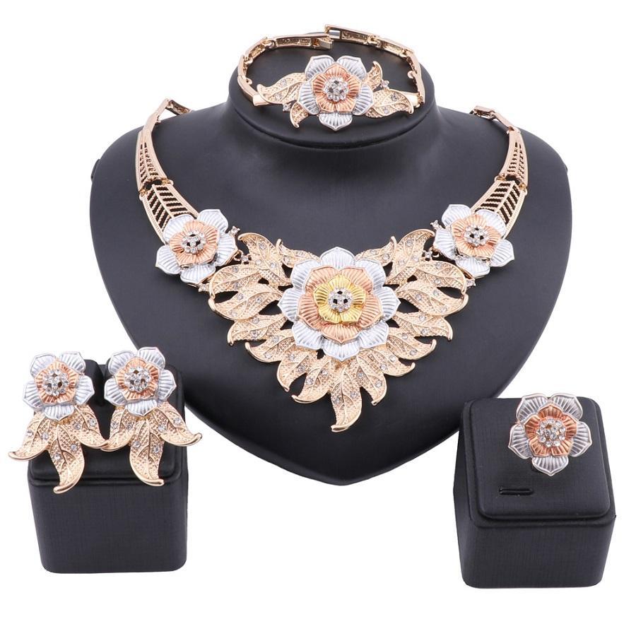 두바이 우아한 여성 골드 크리스탈 보석 큰 장미 꽃 목걸이 아프리카 스타일 팔찌 귀걸이 반지 파티 보석 세트