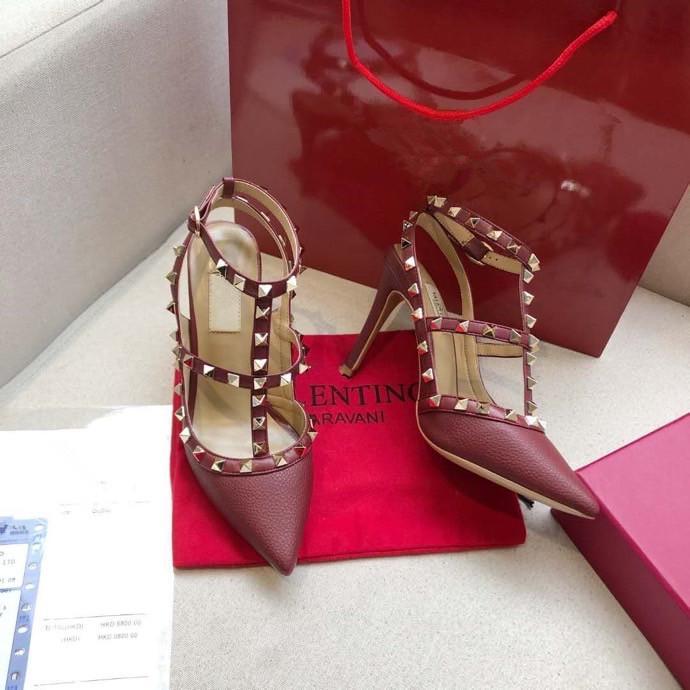 Os mais recentes Couro 2020 Mulheres Stud Sandals Slingback bombas Ladies Sexy saltos altos e 9,5 centímetros Moda rebites sapatos sapatos banquetes 35-41