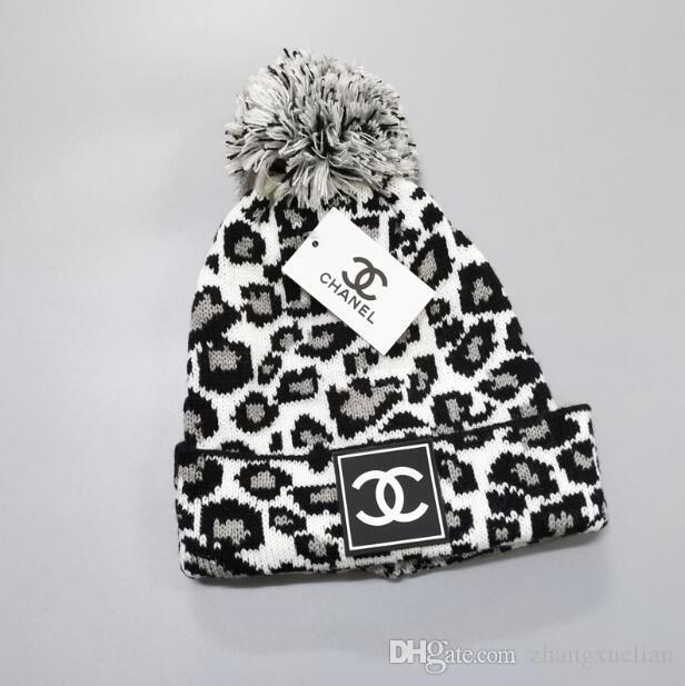 Toptan-Ücretsiz Kargo SICAK kadın Sevimli kış şapka örme şapka top boncuklar elle kanca sıcak akrilik bayanlar şapka Yüksek Kalite