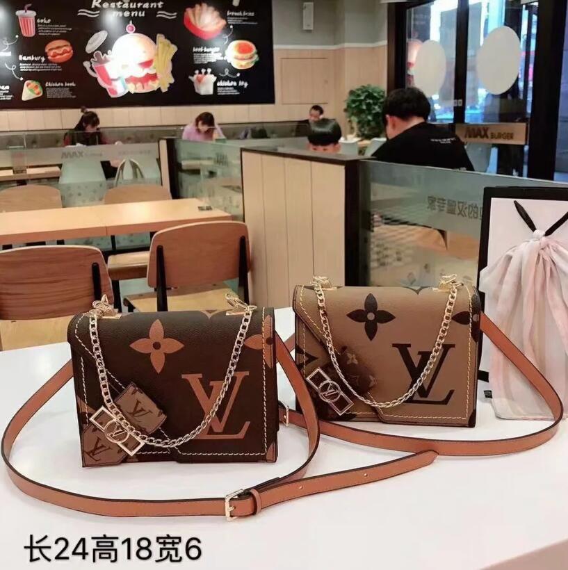 2020 Hot sold Women's bags designers handbags purses shoulder bags mini chain bag designers crossbody bags messenger tote bag clutch bag B33