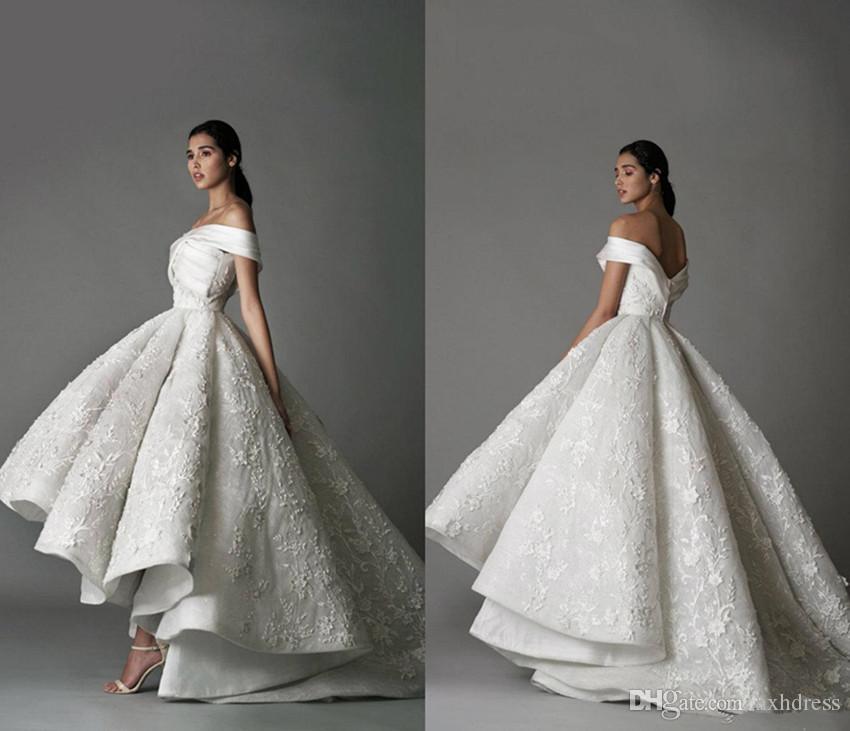 Robes de mariée de luxe de l'épaule en dentelle florale 3D Appliqued Haut Bas Robes de mariée balayage train Personnalisées robe de mariée Vintage 4336