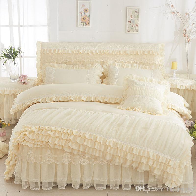Estilo coreano Home Textile Bege Princesa Lace capa de edredão conjunto de cama casos saia Pillow Wedding Cama Colcha Rei Queen Size