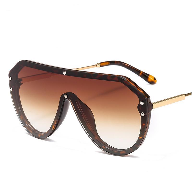 Moda plana Top Square gafas de sol mujeres diseñador de la marca remaches de lujo de gran tamaño gafas de sol para hombres damas gradiente grandes sombras