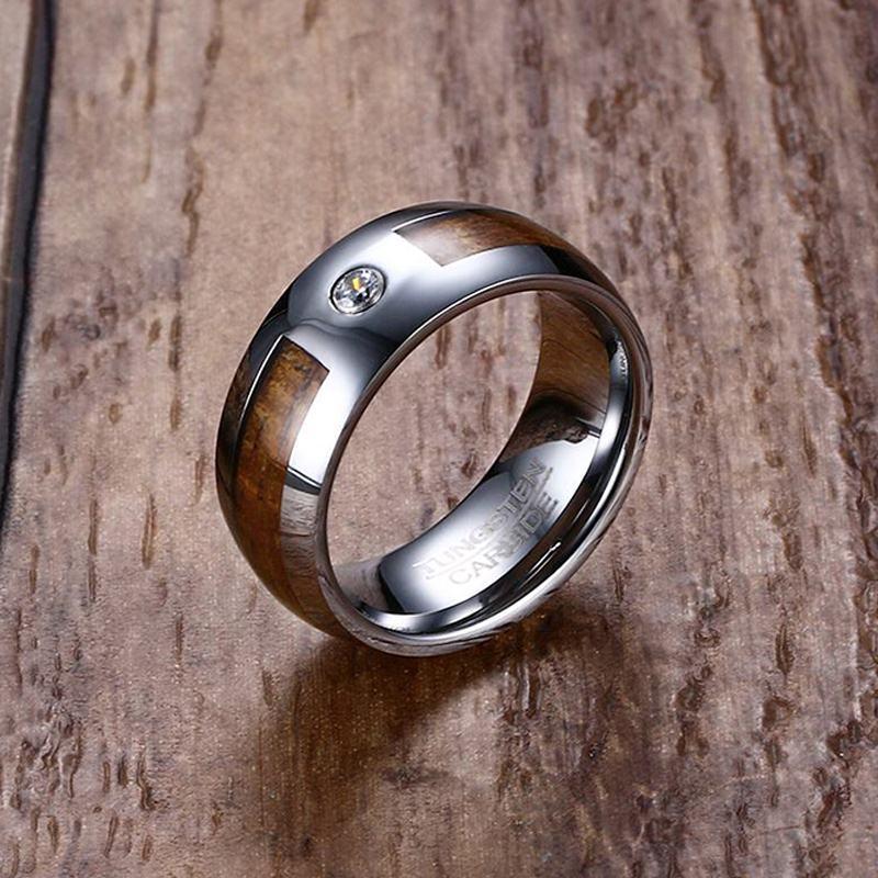Único 8mm Mens Carboneto De Tungstênio Anéis De Madeira De Mogno Grão E Cz Inlay Conforto Fit Wedding Band Homens Moda Jóias Anel Bague T190624