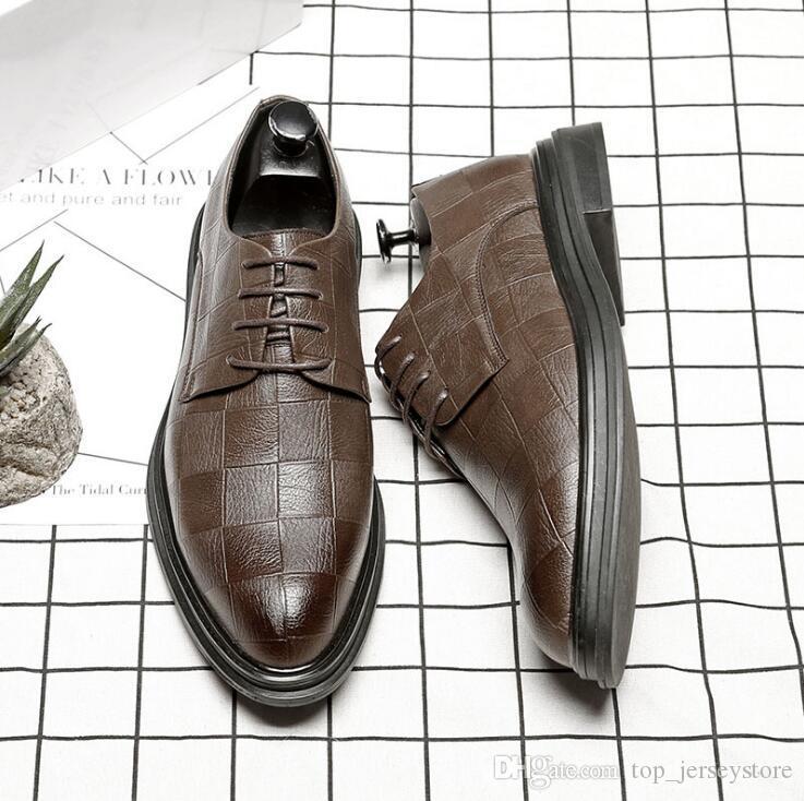 2020 Luxo Moda noivo Homens vestido de noiva sapatos de verniz Sombra sapatos de couro partido Homens Oxford Shoes 38-48 Masculino Flats Casual 38-45