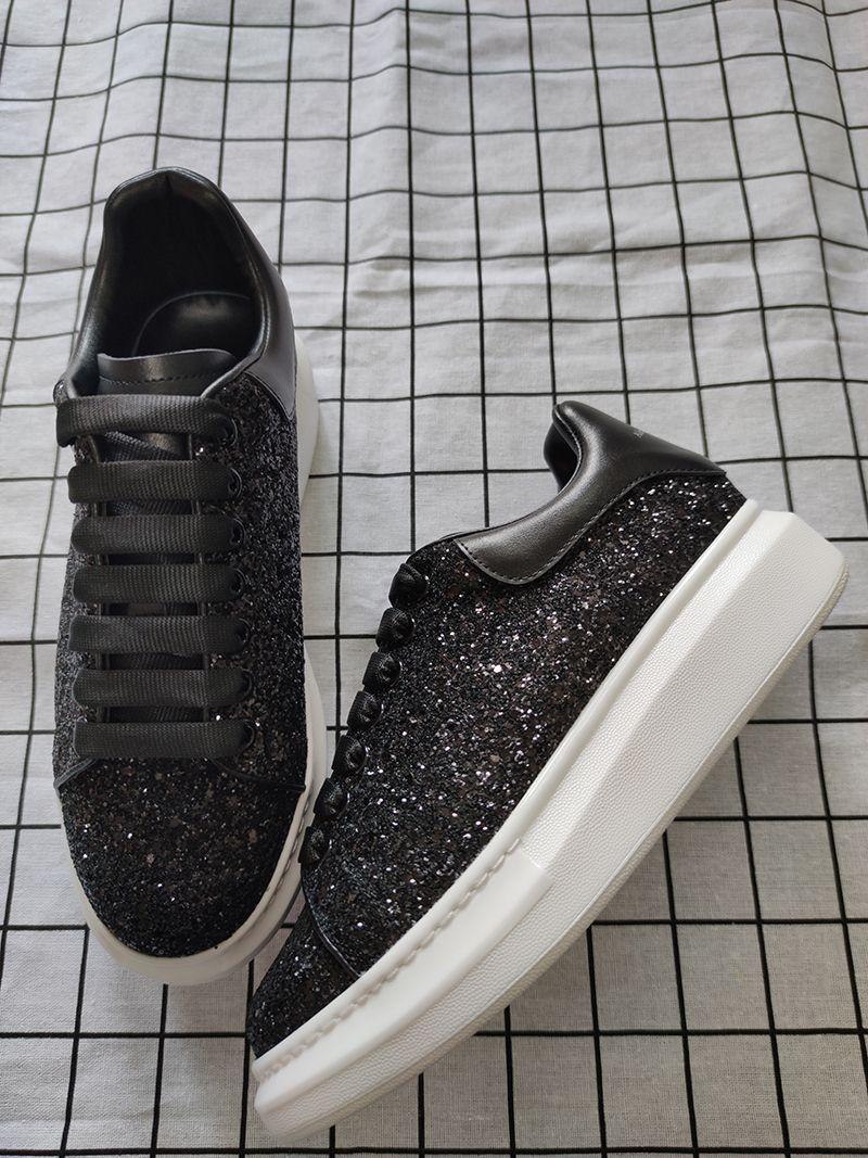Les chaussures de marque de chaussures de sport de luxe hommes lacing Chaussures de sport en cuir lisse tête ronde femmes mousseux surdimensionné taille 35-46