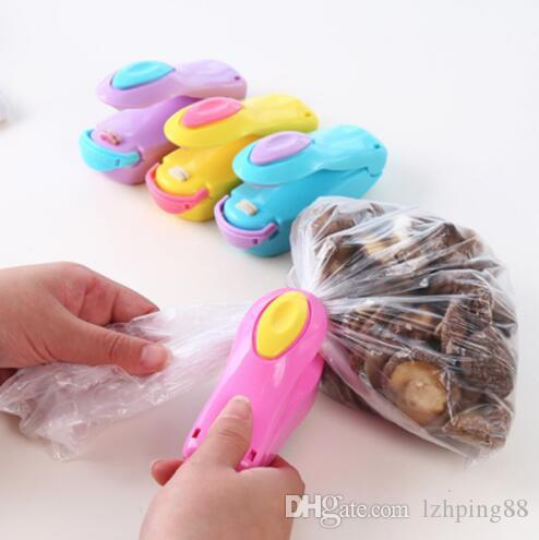 Portable Household Mini Heat Sealing Machine Food Plastic Bag Clips Sealing Machine Kitchen Tool Safety and environmental