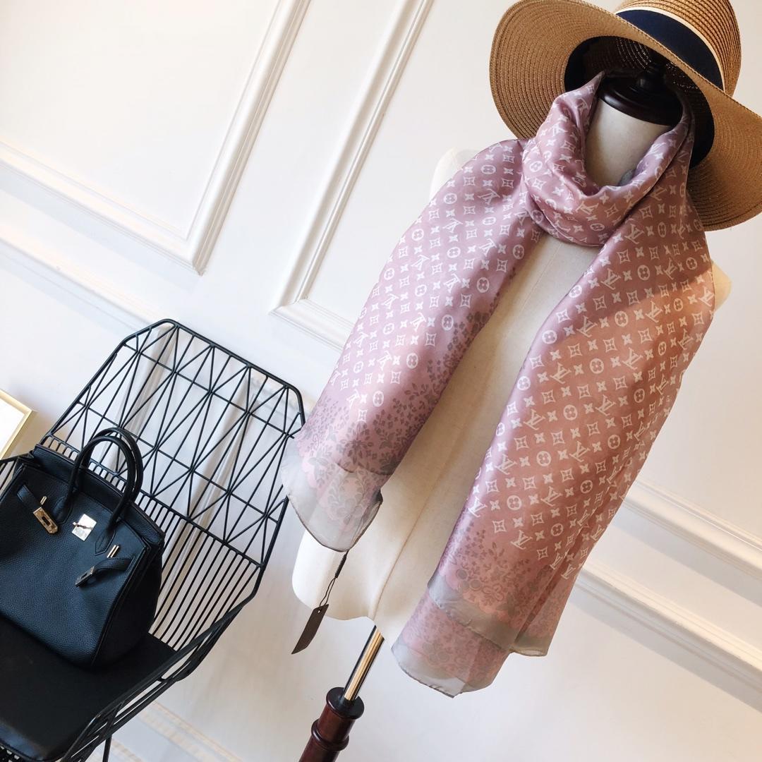 2020 Großhandel Verschiedene Stile Seidenschal Sommer-Frauen Schal Floral Brief Thin Schal Schals für Damen Größe 180x90cm