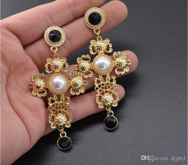 Nueva barroco Moda 2019 envío largo cristalino de los pendientes de oro hueco del color del Rhinestone Dangles Pendientes Accesorios de boda