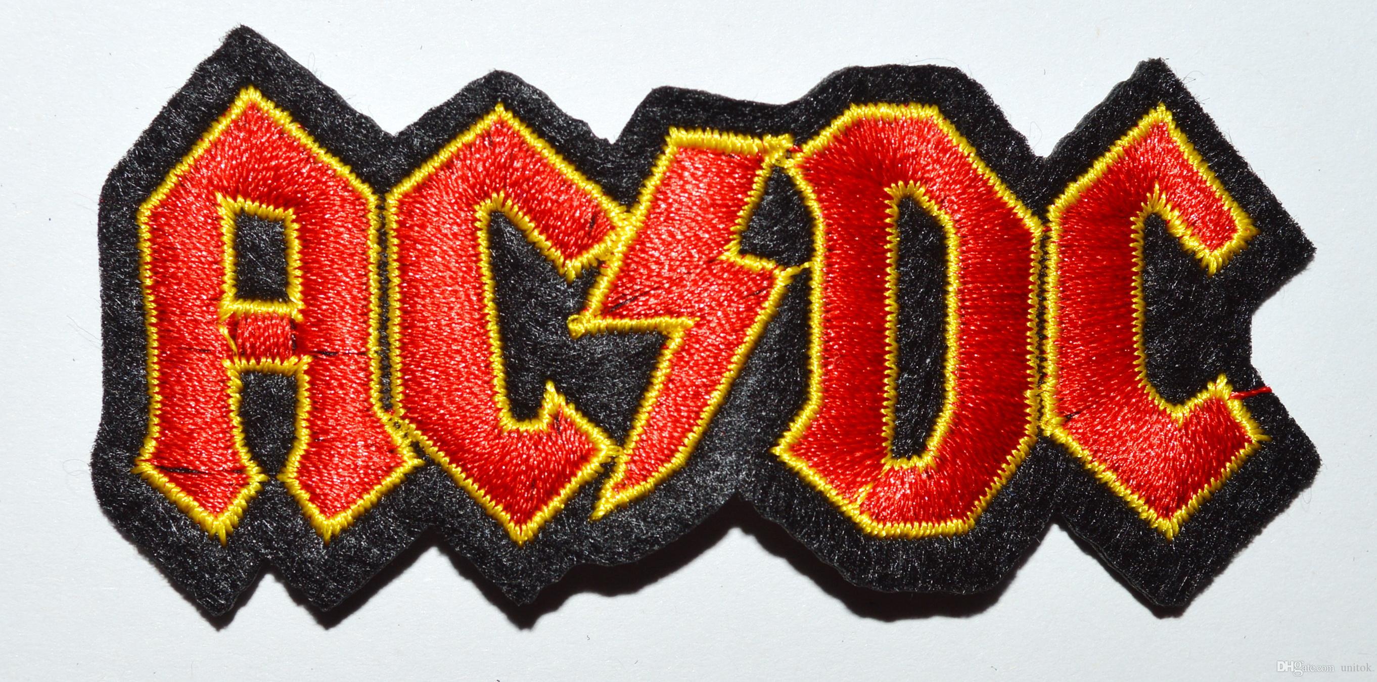 (크기 : 약 8 * 4 cm) ~ AC / DC ROCK LOGO RED 직류 크로스 아이언 켜기 자수 패치