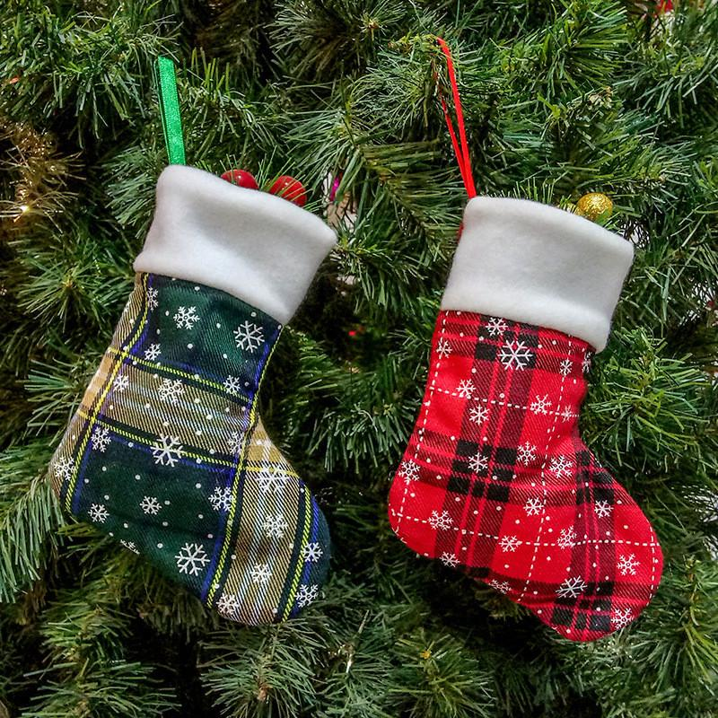 Ornement Sacs cadeaux Lattice petits Socks Fournitures de Noël Décorations de Noël rouge et vert Stocking