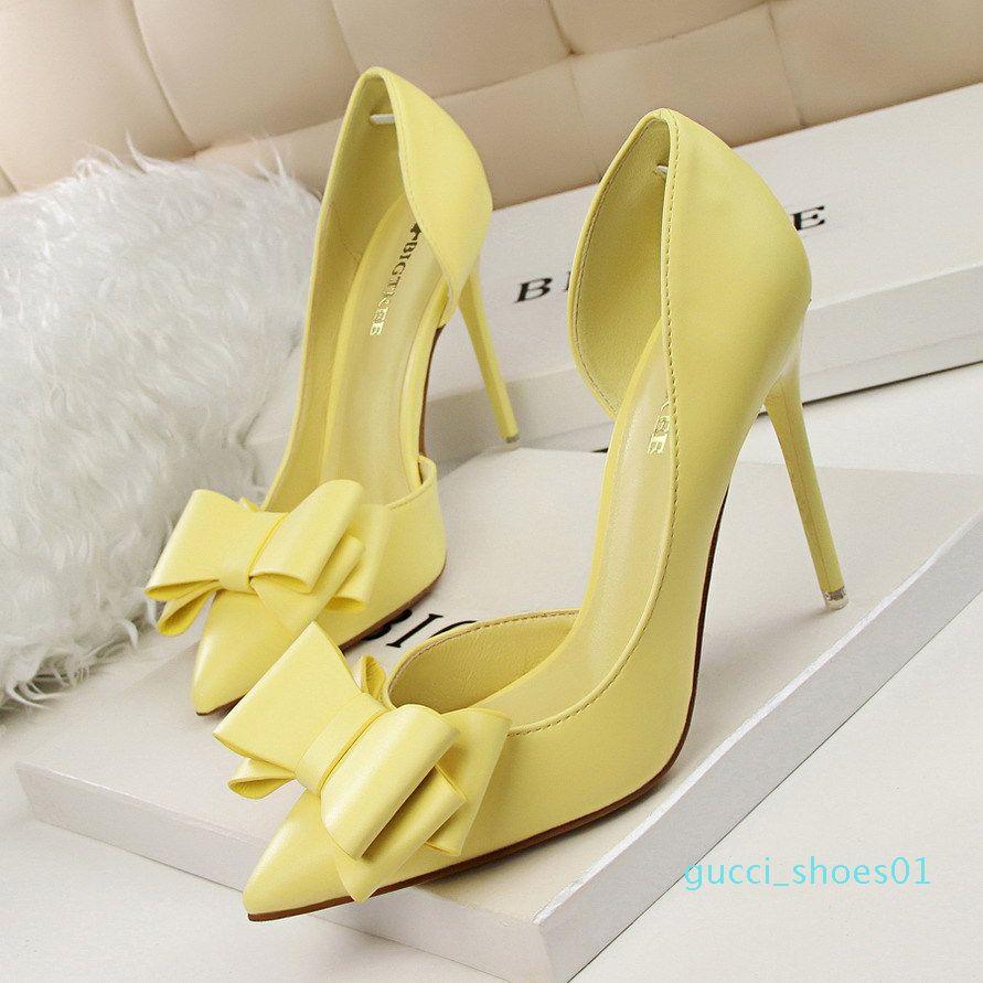 Zhenzhou Bombas Moda 2019 muestran altos talones del arco dulce de la boca baja de aguja tacón alto huecos laterales puntas de los zapatos de las mujeres