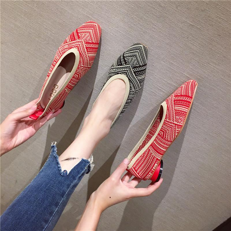 woman casual shoes 2019 New product fashion Lady Low-heeled shoe square Toe cap Symmetrical pattern design Asian size 35-39