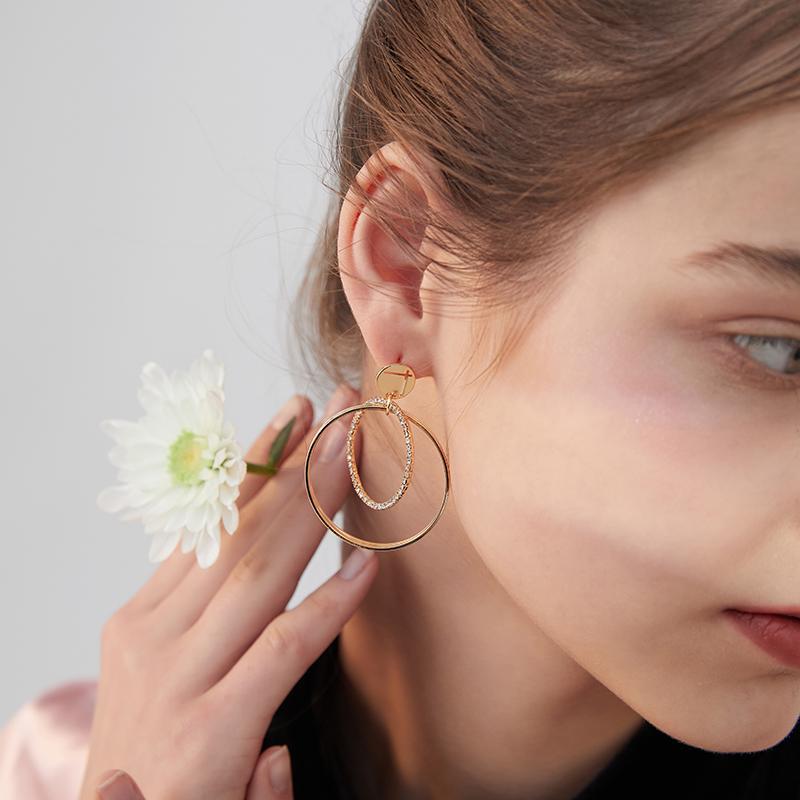 orecchini Xinwei 2020 nuovi orecchini rotondi semplici per le donne a lungo in lega di gioielli ciondolo regalo